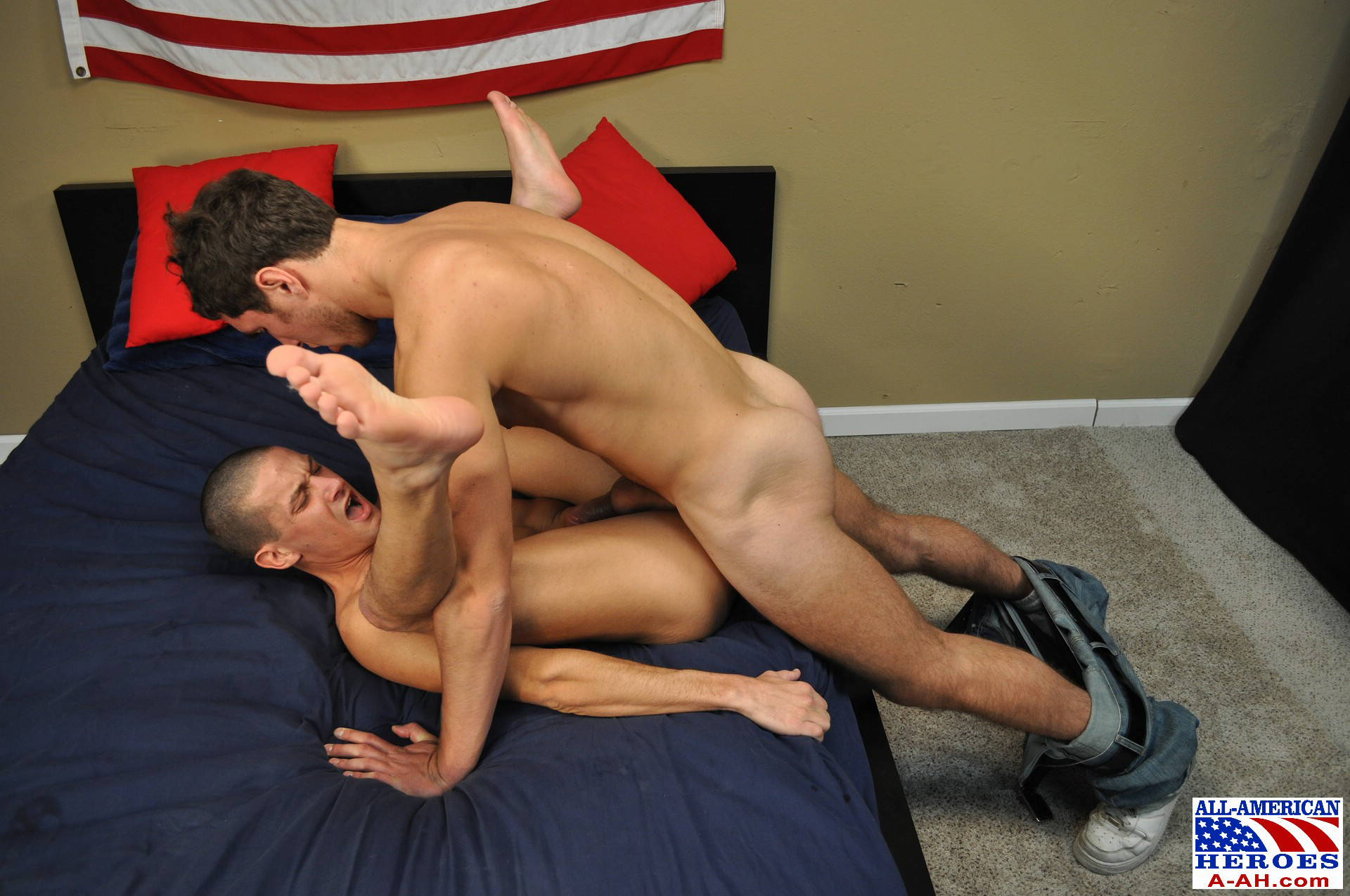 big bslls gay guy fucks guy