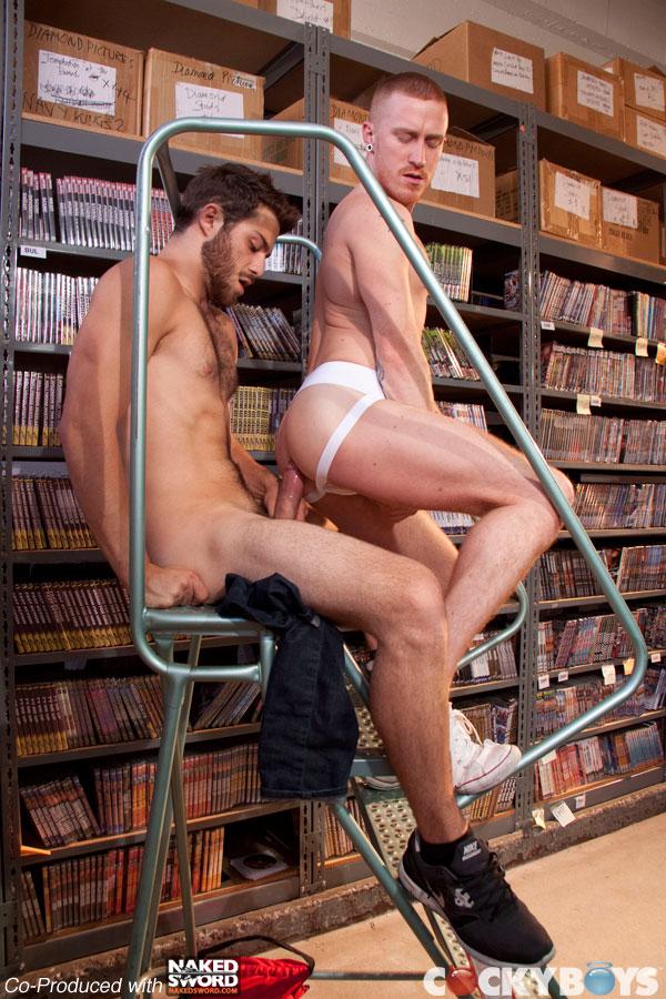 Гей Порно В Магазине